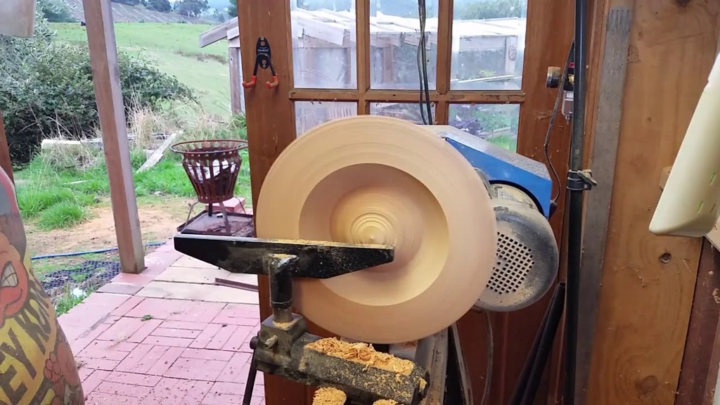Woodturning a Pants Changing Macrocarpa Bowl/Platter