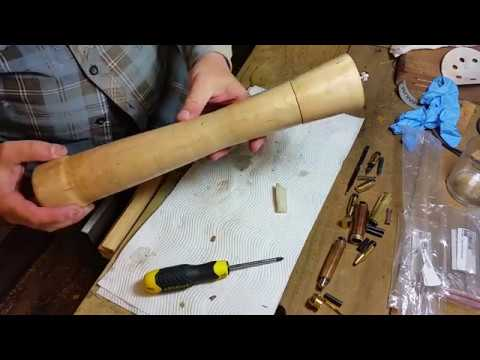 Woodturning a Tasmanian Pepperberry Pepper Grinder